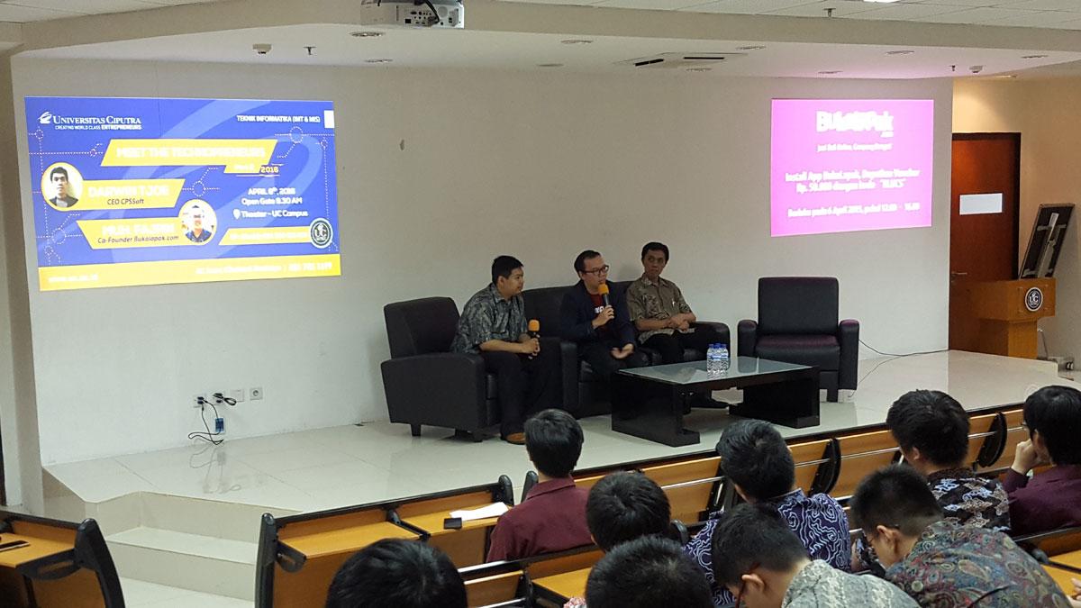 CFO sekaligus co-founder Bukalapak Muhamad Fajrin Rasyid (tengah) dan Darwin Tjoe (kanan) CEO sekaligus founder CPSSoft di Meet Tehchnopreneurs