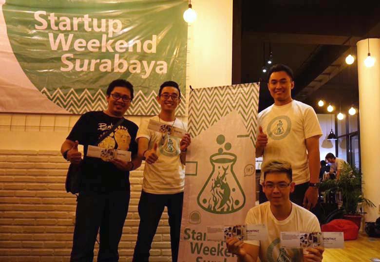 Team Juara pada Startup Weekend,. Peter William - penggagas ide dari Teknik Informatika - MIS Universitas Ciputra (jongkok di kanan depan)