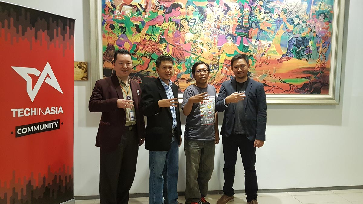 Berfoto bersama: Stephanus Eko Wahyudi (Kaprodi Informatika UC), David Yulianto (CEO - Bee Accounting), Bambang Wahyudi (Tech In Asia Community Surabaya), Ade Syah Lubis (CEO NiagaHoster)