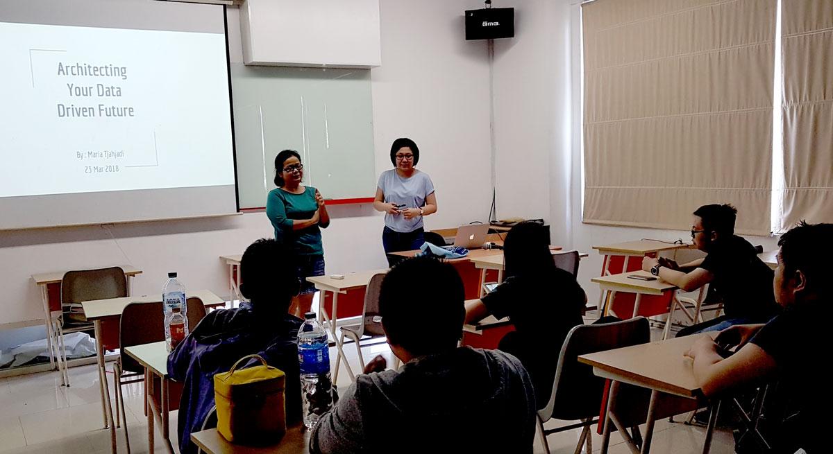 Maria Tjahjadi alumni Teknik Informatika Universitas Ciputra - Data Warehouse Lead Tokopedia