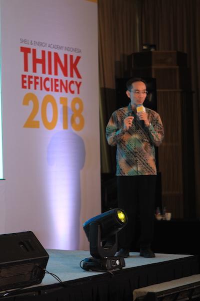 Dosen Informatika UC - Daniel MW mempresentasikan karyanya dalam kompetisi Think Efficiency 2018