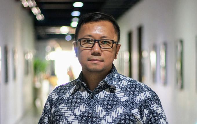 Dr. Trianggoro Wiradinata