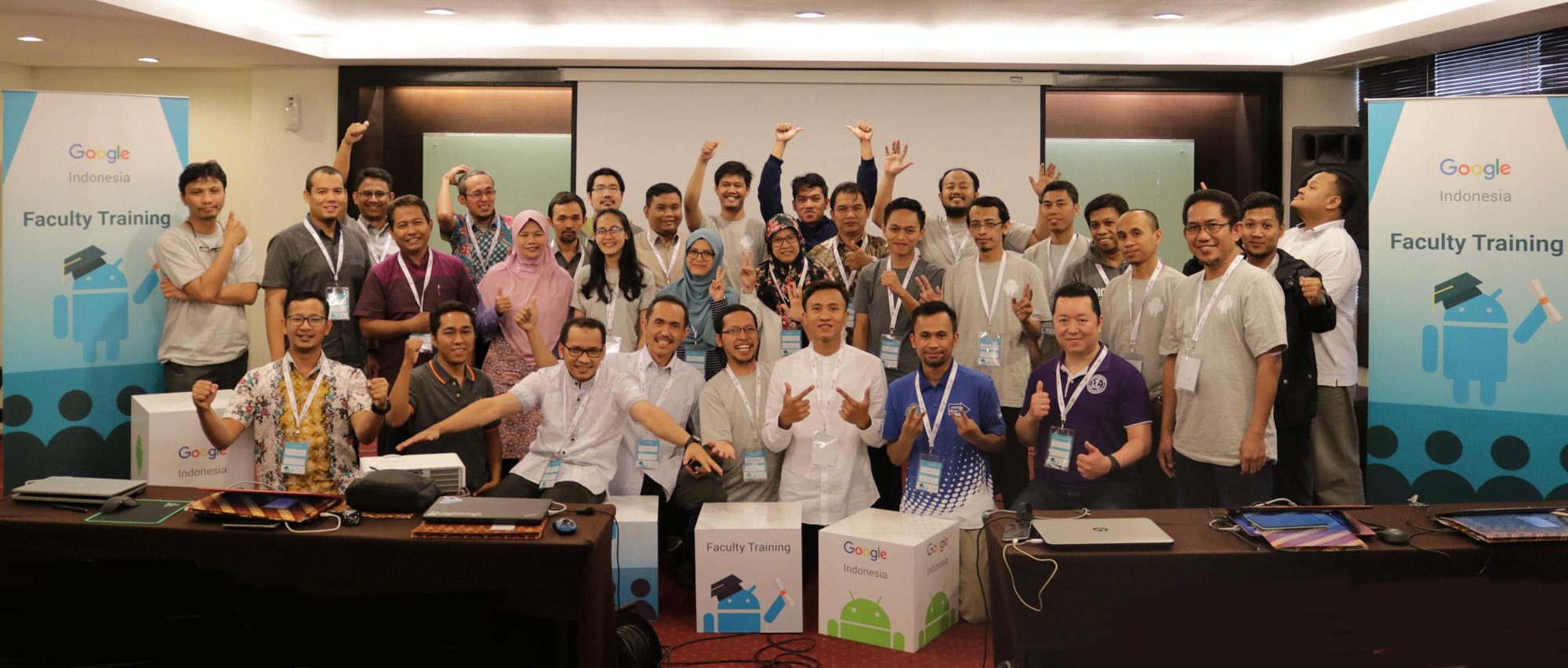 Group Photo para dosen peserta Beasiswa Google Faculty Training Batch 3 di Bandung 24-28 September 2018 di sesi terakhir sebelum berpisah dan kembali ke kota masing-masing